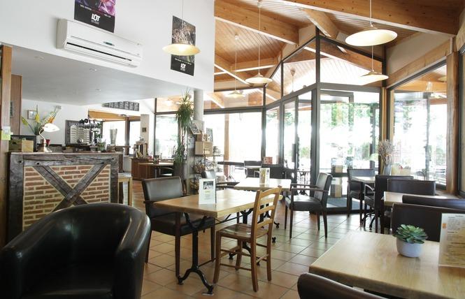 Hôtel Restaurant La Truite Dorée 16 - Saint Géry-Vers