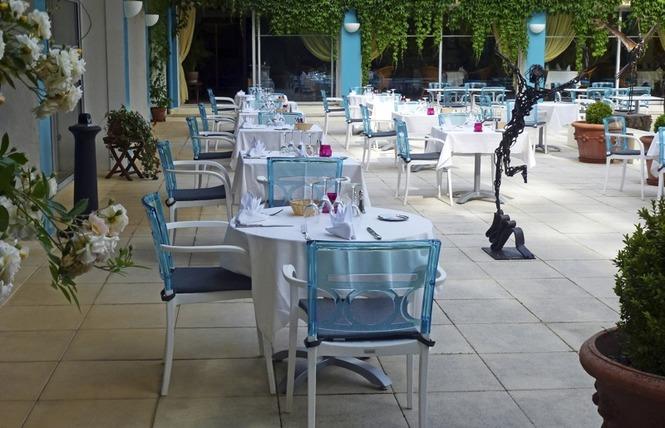 Restaurant Cajarc Blue Hôtel 10 - Cajarc