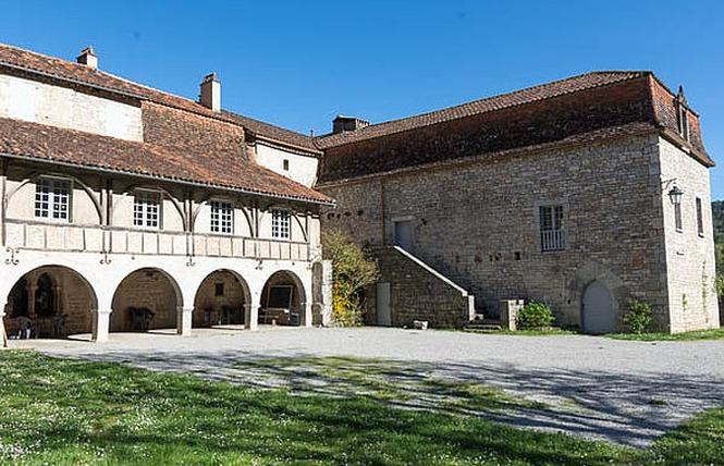 Gîte communal 5 personnes 1 - Espagnac-Sainte-Eulalie