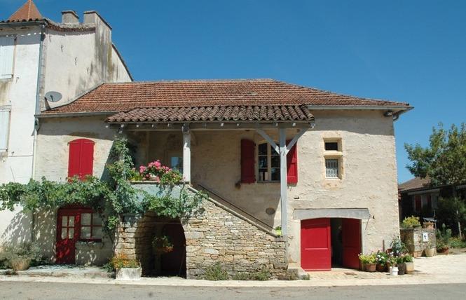 GR36 de Laramière à Bonaguil, par Saint Cirq Lapopie, Cahors et la vallée du Lot 5 - Laramière