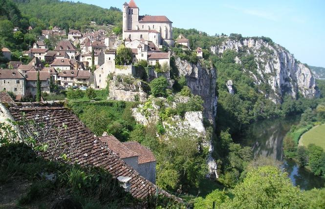 GR36 de Laramière à Bonaguil, par Saint Cirq Lapopie, Cahors et la vallée du Lot 1 - Laramière